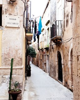 Gunnar Knechtel Photography, Italy, Sicily, Town: Syracuse, Island of Ortigia. The house of Francesco Moncada,. Typical street in the Island of Ortigia. Old ancient greek street layout.photographed on the 27+28,12.2010 for Dwell Magazine
