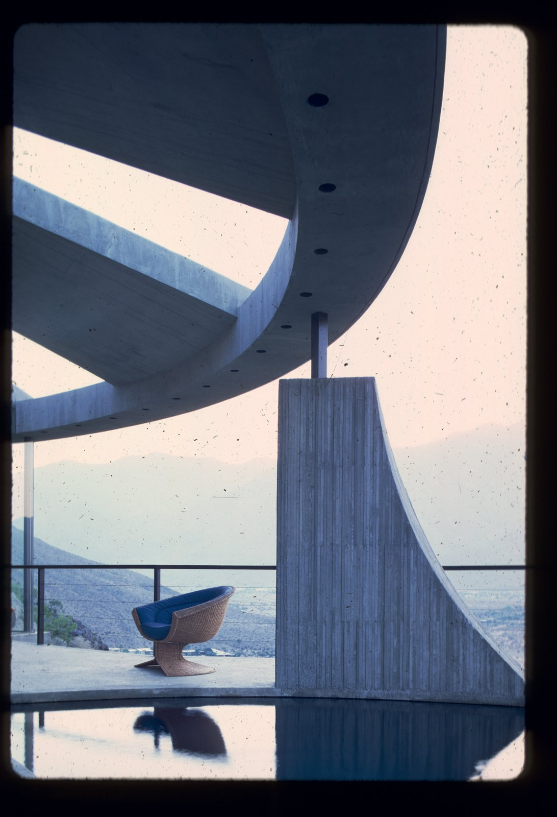 Photo by John Lautner.  Photo 3 of 5 in A House Worthy of James Bond and More