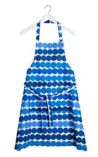 Here, the blue dots of Louekari's Siirtolapuutarha Räsymatto pattern brighten a white apron.