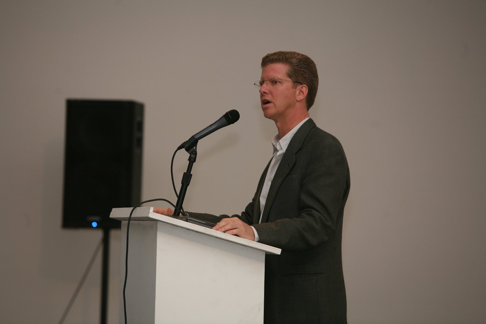 """Following the project presentations, U.S. Secretary of Housing and Urban Development Shaun Donovan delivered his address """"From Crisis to Opportunity: Rebuilding Communities in the Wake of Foreclosure.""""  Photo 3 of 7 in """"Foreclosed"""" Open Studio at PS1"""