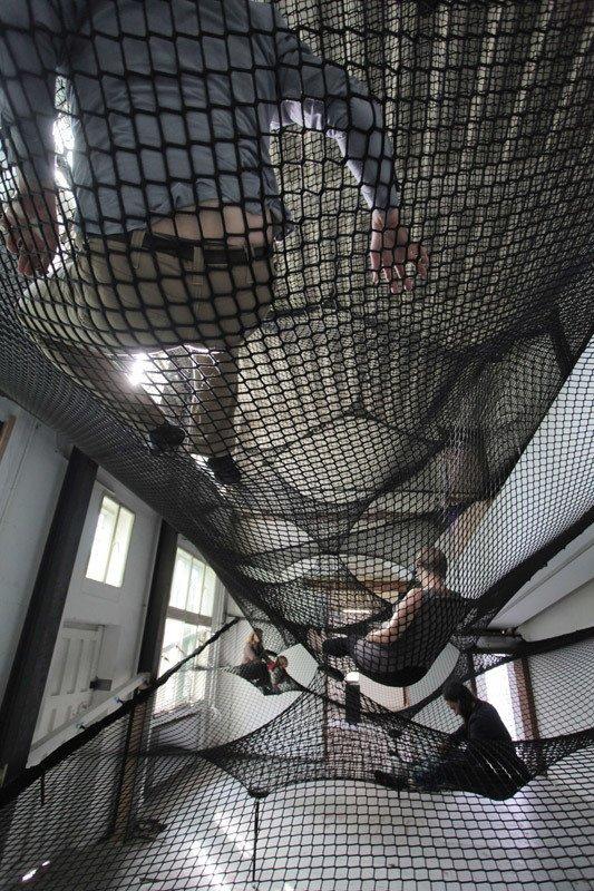 "Numen's Net, occupied by gallery attendees.  Search ""강남하드코어www,OPGO22,net≤≤달리는밤≥≥강남하드코어ᖰ강남안마ᚹ강남하드코어ᘏ강남셔츠룸ք강남스파ᗐ강남휴게텔թ강남업소"" from Floating Landscape Made of Net"
