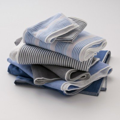 I am smitten with these striped chambray-and-terrycloth towels from Japan. Want, want, want!