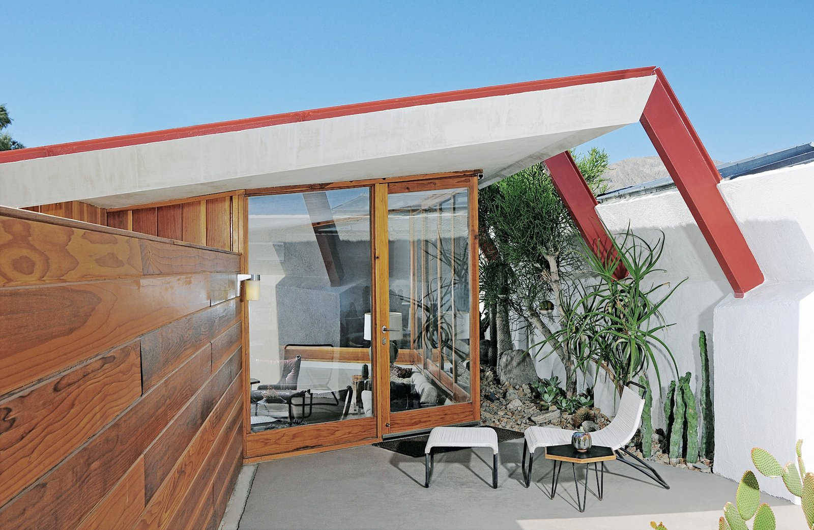 Exterior, Mid-Century Building Type, and House Building Type Each of the four units has a private patio.  Palm Springs- MCM from John Lautner's Desert Rose