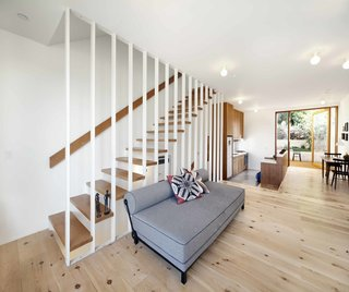 Home and Studio Maximizes Very Narrow Site in Echo Park - Photo 2 of 9 -