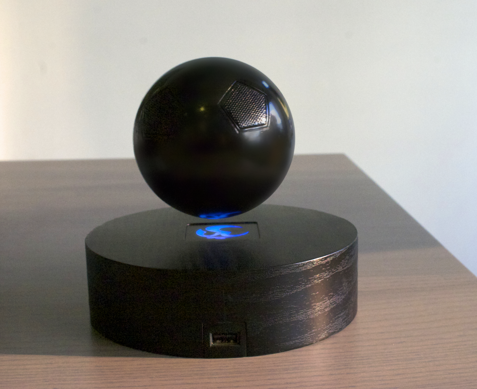 Wireless Speaker That Levitates