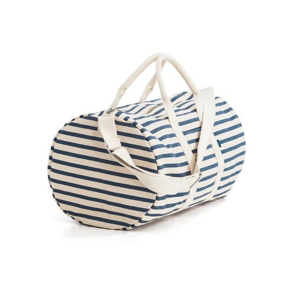 Designed with weekend trips in mind, the Baggu Duffel Bag has a classic silhouette made in heavyweight canvas to create a durable and sturdy bag. Available in solid black and striped versions, this unisex bag is an ideal gift for a friend or family member who likes to jet off at a moment's notice.