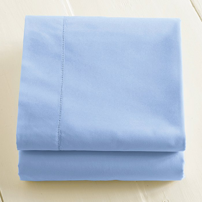What is your everyday bedding?   280-thread-count pima cotton percale sheets from L.L.Bean. Queen sheet from L.L. Bean, $54.  Photo 4 of 6 in Ask the Expert: Gift-Buying Tips from John and Linda Meyers