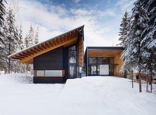 Modern Weekend Ski Home