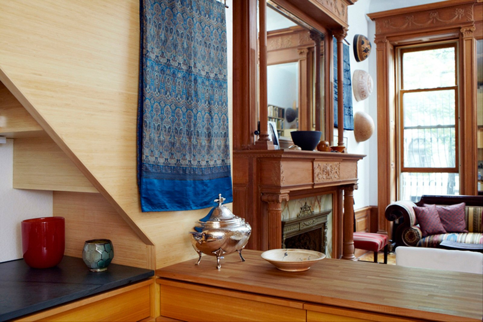 Photo 5 of 8 in Space-Saving Wood-Paneled Apartment in Manhattan