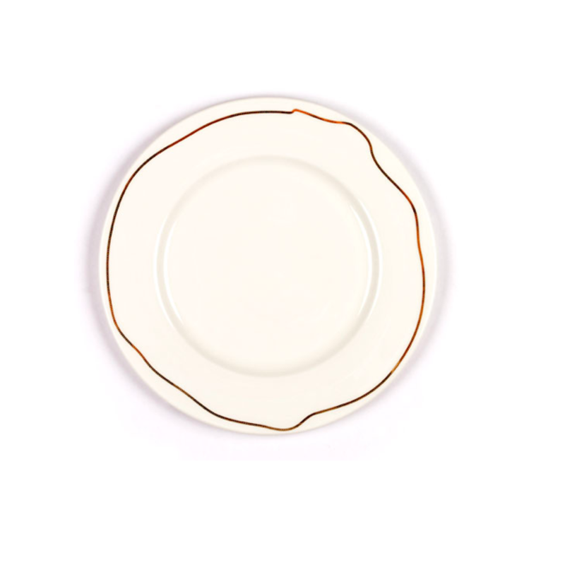 Designer Jason Miller adorned the dinnerware (which also comes in dessert size) with a jewelry motif, adding a touch of class to your tabletop.