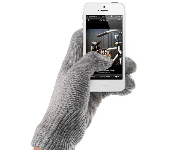 No need to forfeit your warmth to keep up your texting pace this winter with Mujjo's all-fingertip touchscreen gloves. ($33-$169)