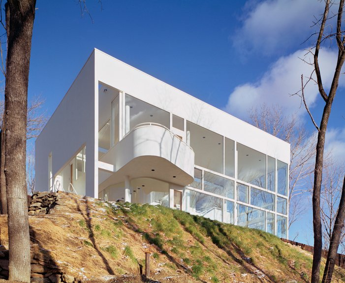 Shamberg House in Chappaqua, New York, 1972-74. (Copyright ESTO)  Photo 4 of 10 in Richard Meier's Practice at 50