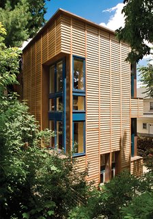 Architect Jack Ryan of the firm 3six0 clad the addition to the 1920s house in western red cedar.