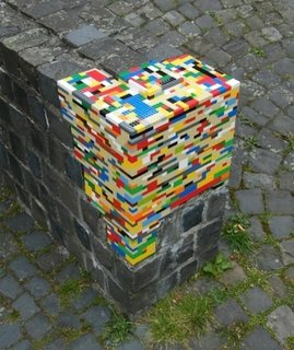 A crumbling corner is the perfect surface for a bit of Lego fortification. Via Karmadecay.