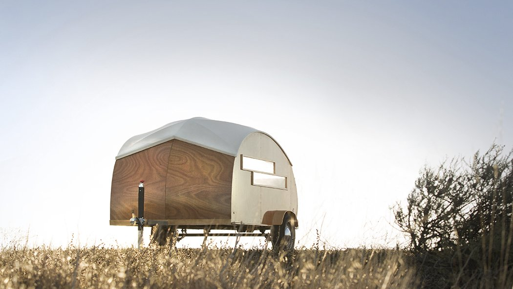 The jaunty boat-like shell of the Hütte Hut began with a case study undertaken by Brian and Katrina Manzo, a husband-and-wife team of industrial designers behind Sprouting Sprocket Studio.  Getaway Inspiration from Retro Trailers for the Modern Road Trip