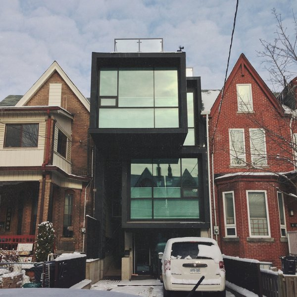 22 Grange Avenue-Home to Toronto artist Charles Pachter and rumoured to be divided into three parts: living space, studio space, and gallery space. Designed by Toronto architects Teeple Architects.