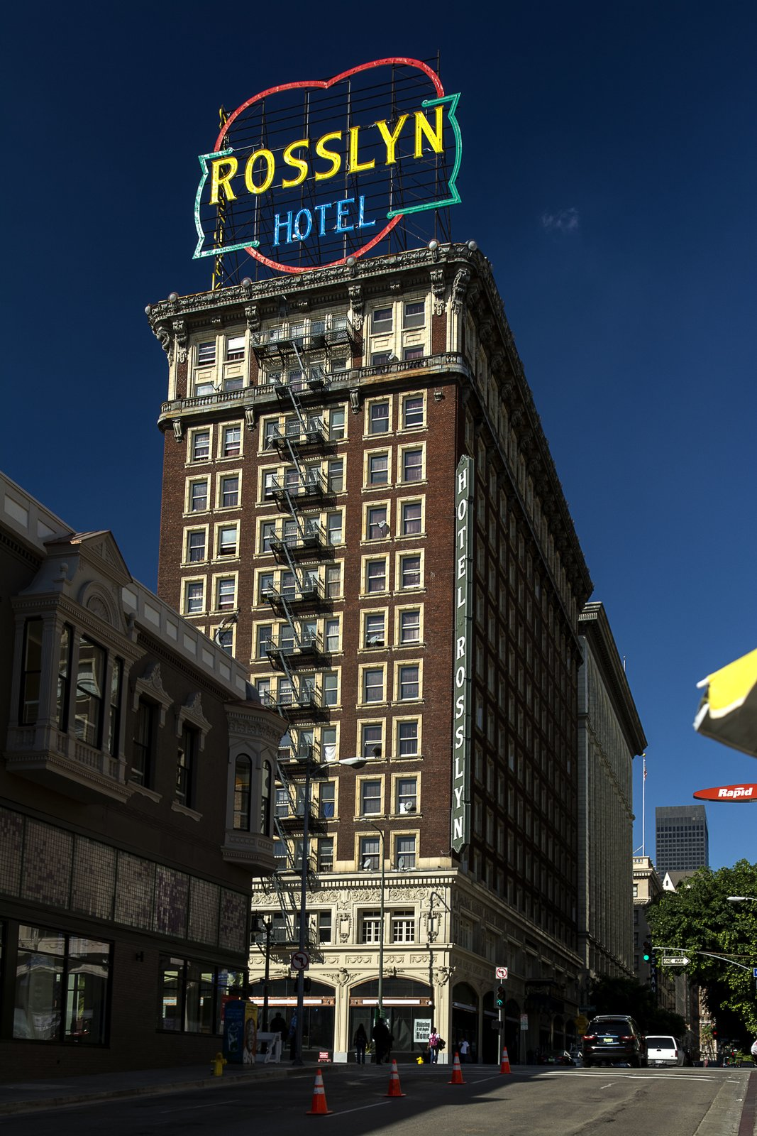 The former luxury hotel, Rosslyn Hotel Apartments, opened its doors on Fifth and Main in Downtown L.A. in 1923, and was once one of the largest luxury hotels on the West Coast. The Beaux Arts building now provides homes and services for people in need, using preservation as a tool to integrate affordable housing into market-rate neighborhoods.  Photo 6 of 7 in 7 Preserved Modern Architecture Icons in Los Angeles