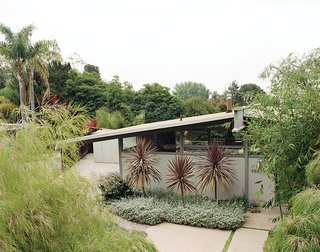 For an A. Quincy Jones house in Los Angeles, architect Cory Buckner took on the restoration, while landscape designer Jay Griffith honored the architecture with understated, low-water landscaping.