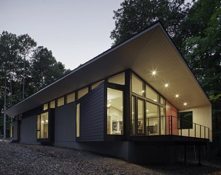 Streamlined Modern Living in the North Carolina Forest