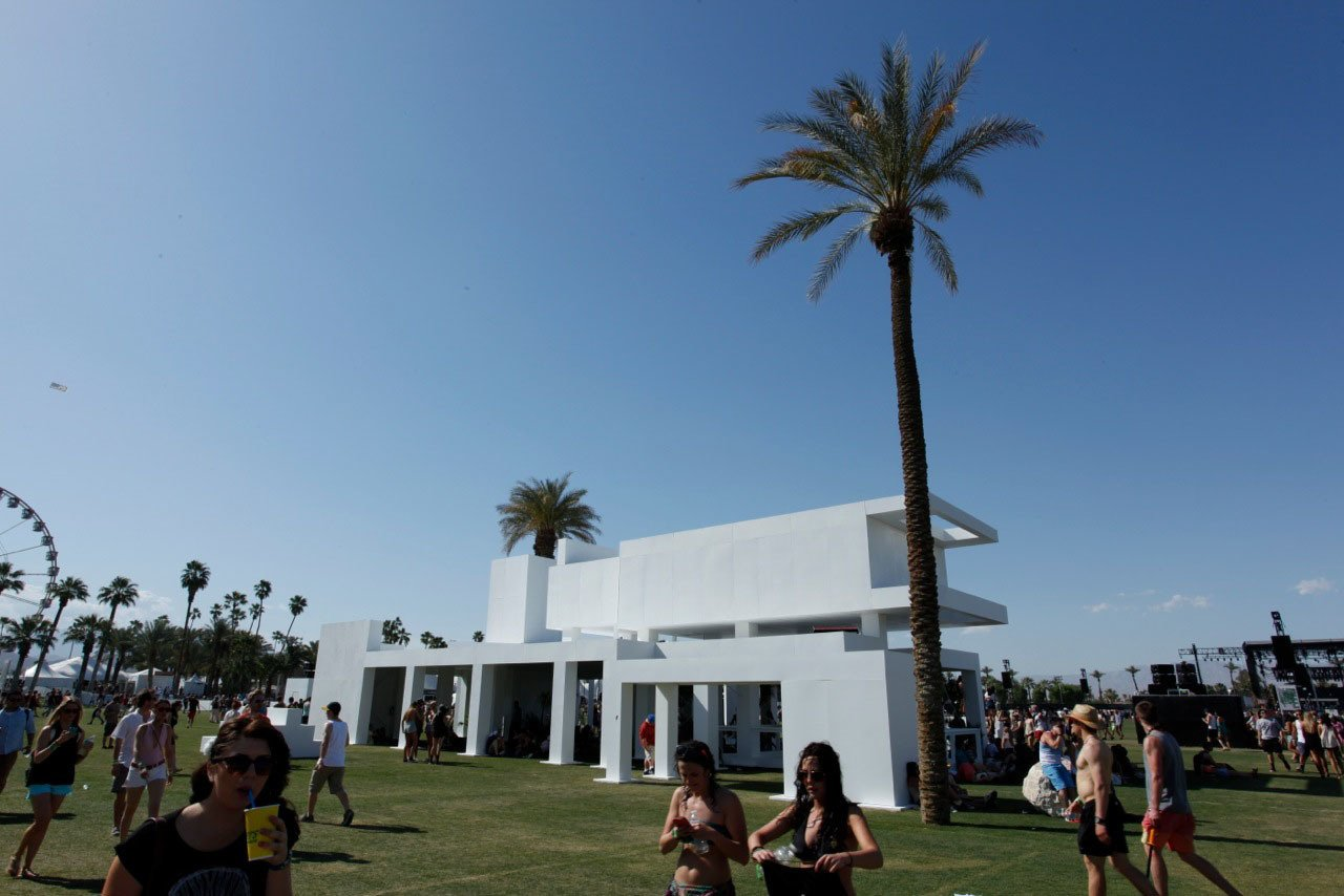 """""""A lot of kids might not be familiar with mid-century modernism,"""" says Clemente of the music festival's attendees, """"but I think subconsciously it will make sense to them."""" Clemente modeled the design of the installation on Neutra's Kaufmann House.  Photo 1 of 3 in Modern Design at Coachella"""