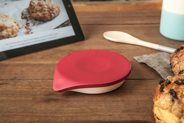 The silicone rubber surface on the top can withstand the heat from a pot of boiling water, and the battery lasts a year between replacement.