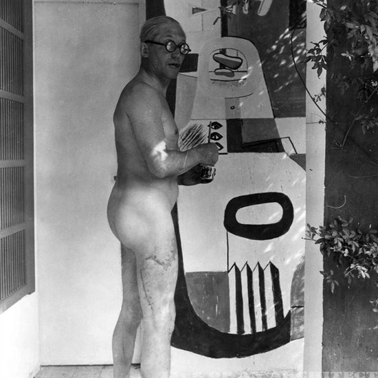 We should all look so good in the raw. Extra points for that curvilinear scar. Guy was modern through and through.  Most Stylish Architect in History: Le Corbusier by Aaron Britt