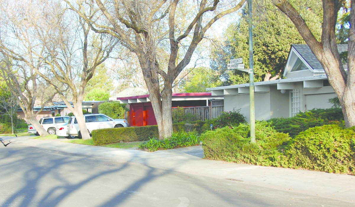"""Faircourt, Palo Alto, Joseph Eichler.  Search """"color palo alto"""" from Never-Before-Seen Images of Iconic Midcentury Modern Eichler Homes"""