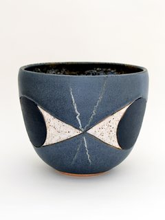 Self-taught potter Matthew Ward creates abstract-inspired ceramic bowls and vases the reference the art and design of the post-war era.
