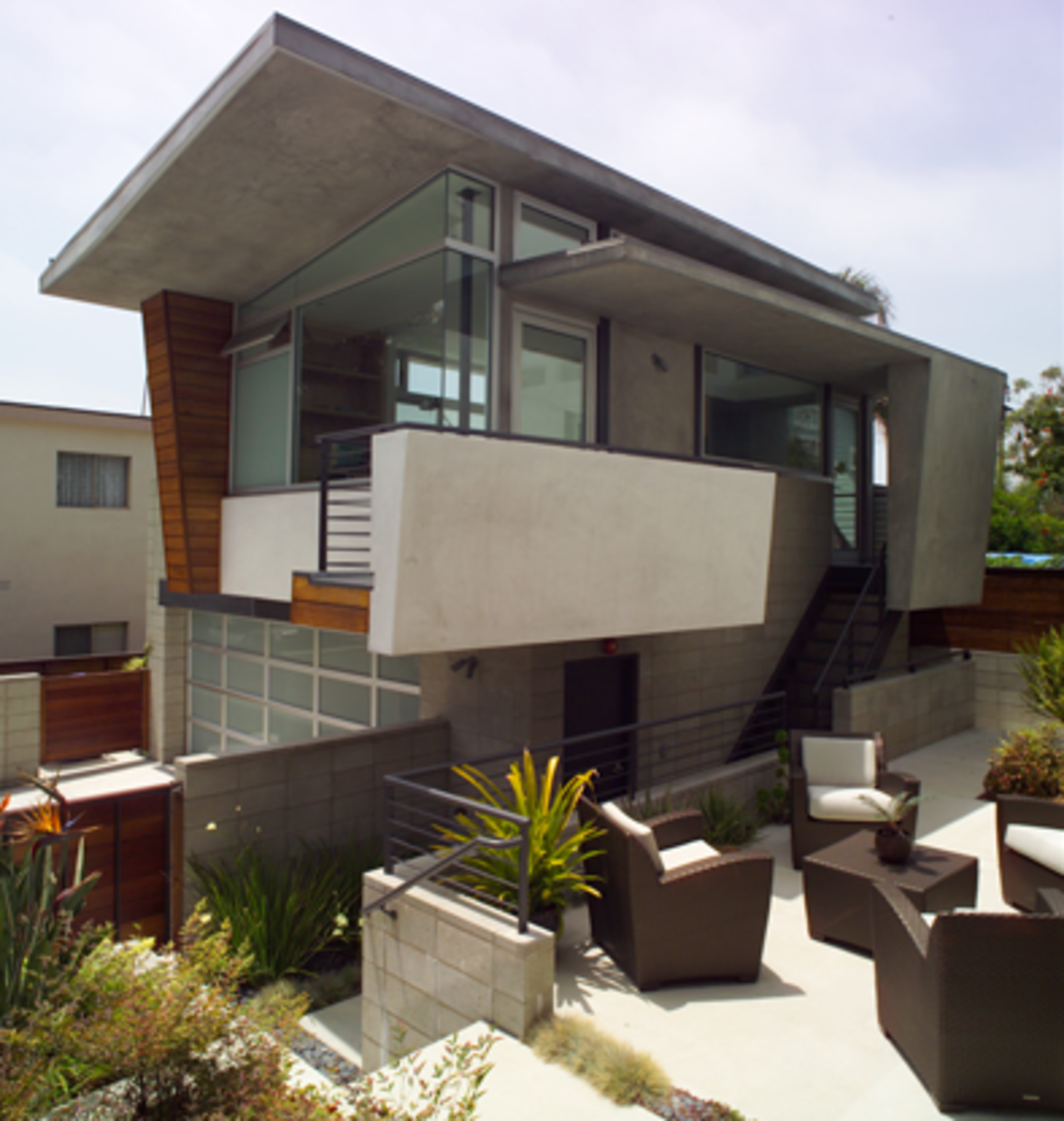 A studio and recording space was added to the Mazess House in 2004.  Photo 8 of 15 in Dwell Los Angeles Home Tours Day #1 Preview: West Side