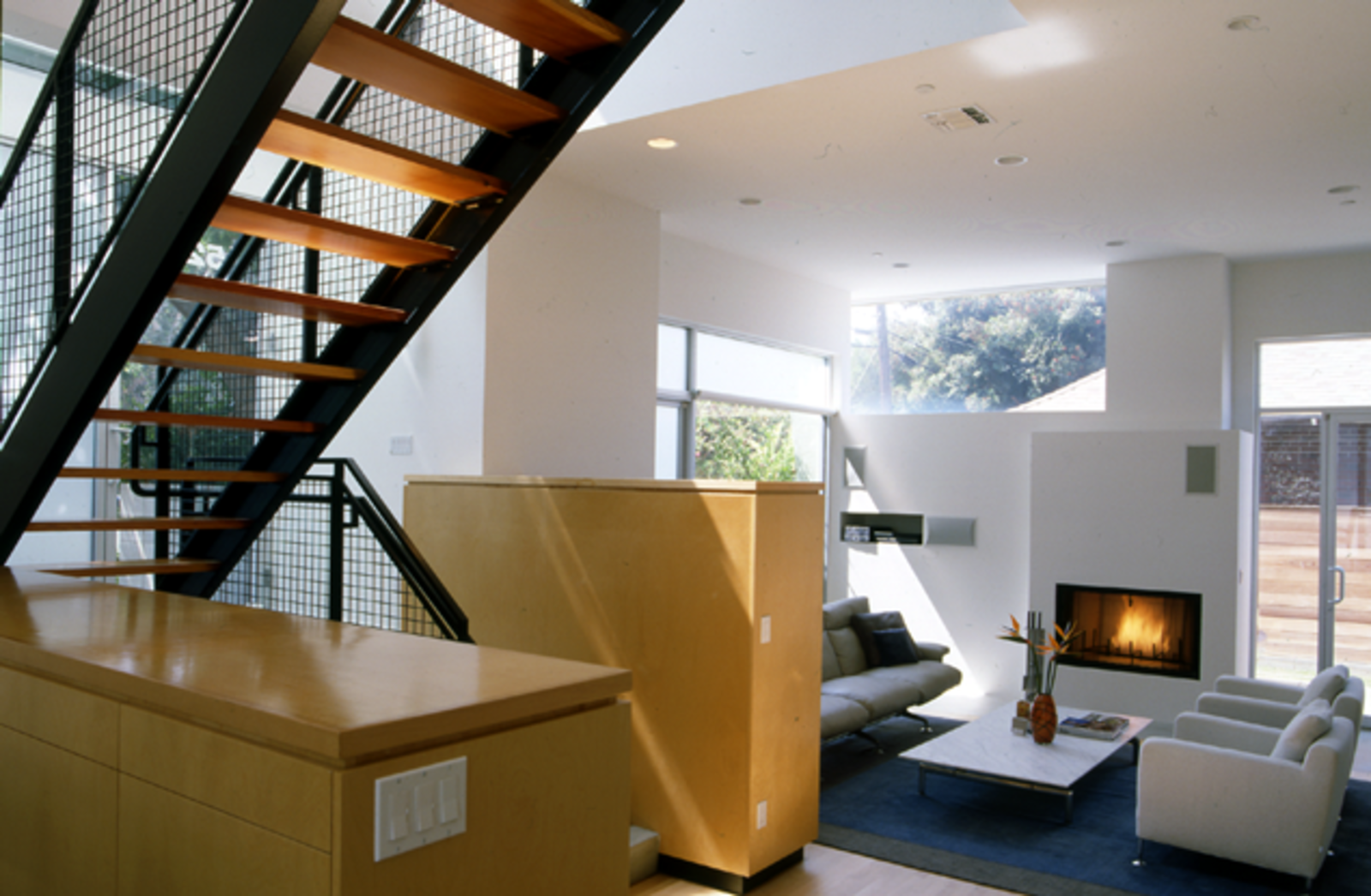 Perched atop a hill in Santa Monica, the Mazess House is filled with natural light.  Photo 9 of 15 in Dwell Los Angeles Home Tours Day #1 Preview: West Side