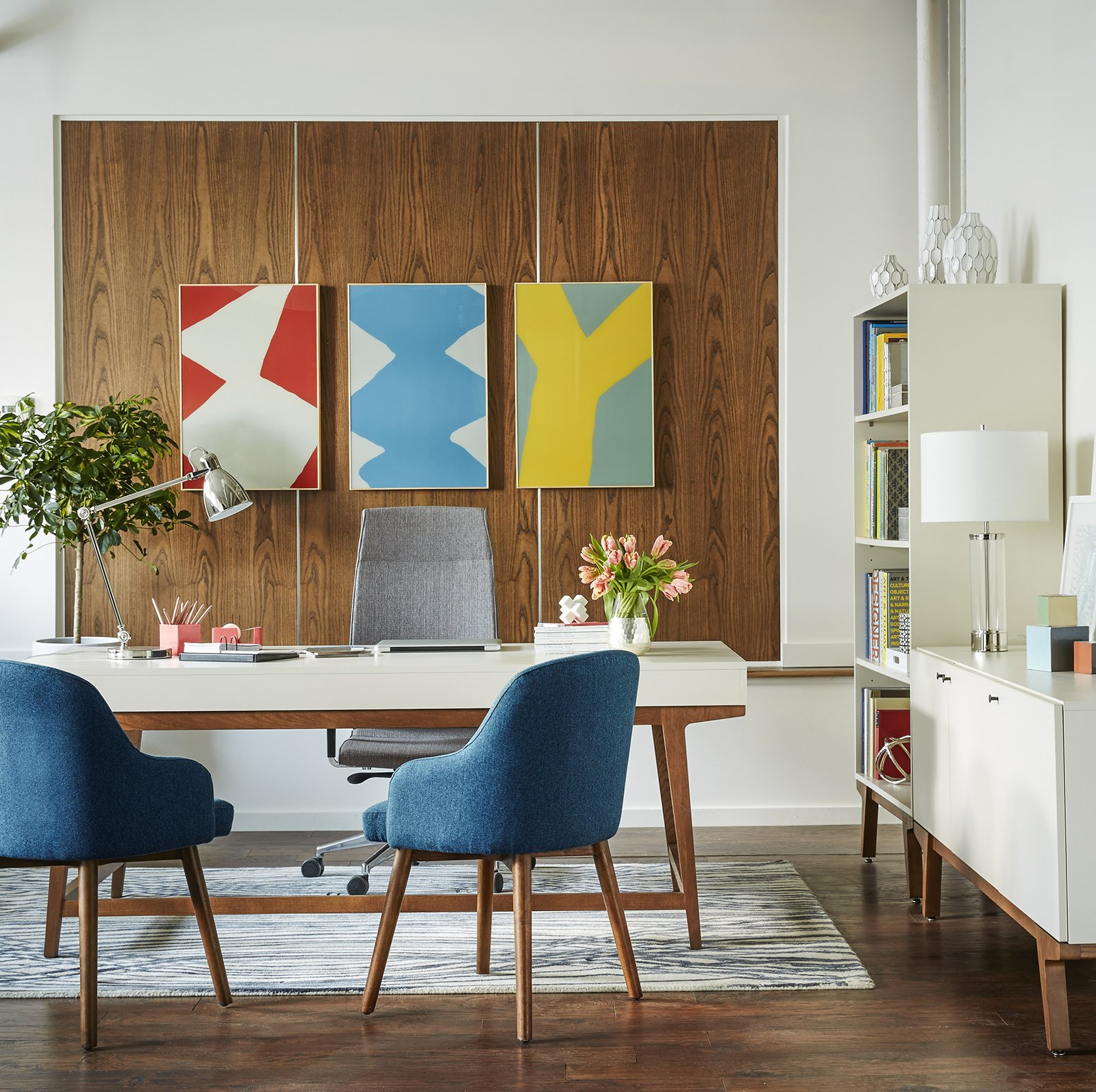 """""""Smart adaptable design encourages creativity, communication, teamwork and productivity,"""" Hannoosh says.""""  Photo 6 of 9 in These Modern Workspaces Are Just As Welcoming as Your Living Room"""