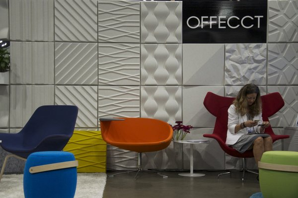 At the Offect booth, visitors experienced the Swedish brand's acoustic panels and modern furniture built for office environments.