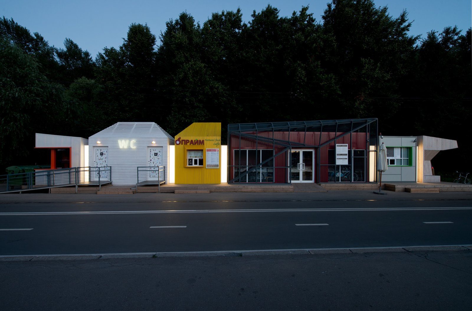 Kiosks in Shells for Sparrow Hills (Wowhaus: Moscow, Russia)  These temporary structures provide a respite to those heading to the former Lenin Hills area of Moscow.  Inspiring Small Space Projects Around the World by Patrick Sisson