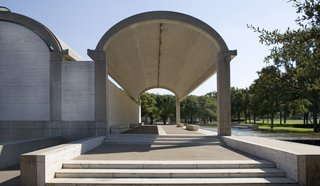 Recalling the arched construction of Roman architects, Kahn's tubular museum design utilizes a row of cycloid barrel vaults, lined with reflective skylights that funnel natural light into the lengthy galleries.