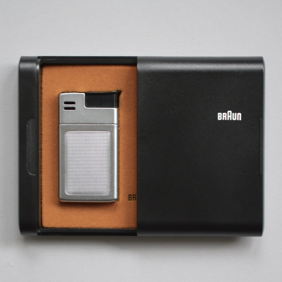Braun Mach 2 lighter by Dieter Rams with Florian Seiffert (1971), with case.  Photo 2 of 8 in Shop the Vintage Braun Catalog from Your Web Browser