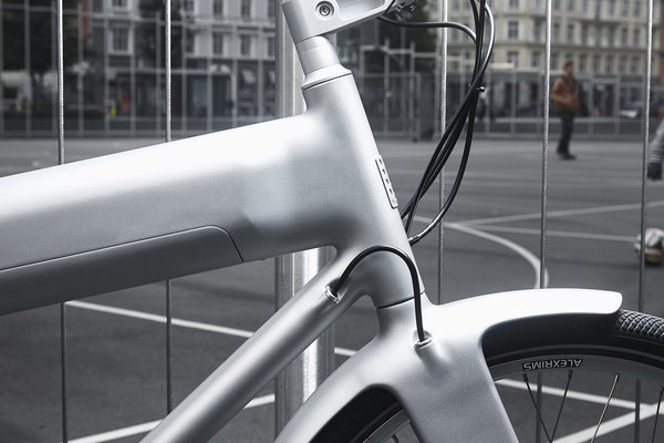 Borrowing from the best of Biomega's previous innovations, OKO is composed of carbon fiber tooled pieces and completely chainless. Riders who opt not to use its three power assistance levels will find it functions just like a traditional two-wheeler.