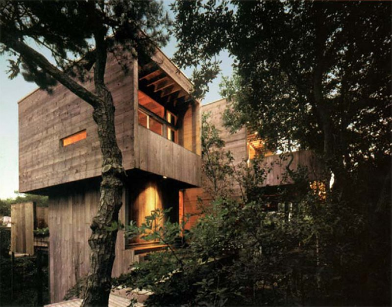 274 Bay Walk by Harry Bates, now of Bates Masi (1967).  Photo 6 of 8 in Must-See Modern Beach Houses on Fire Island Tour