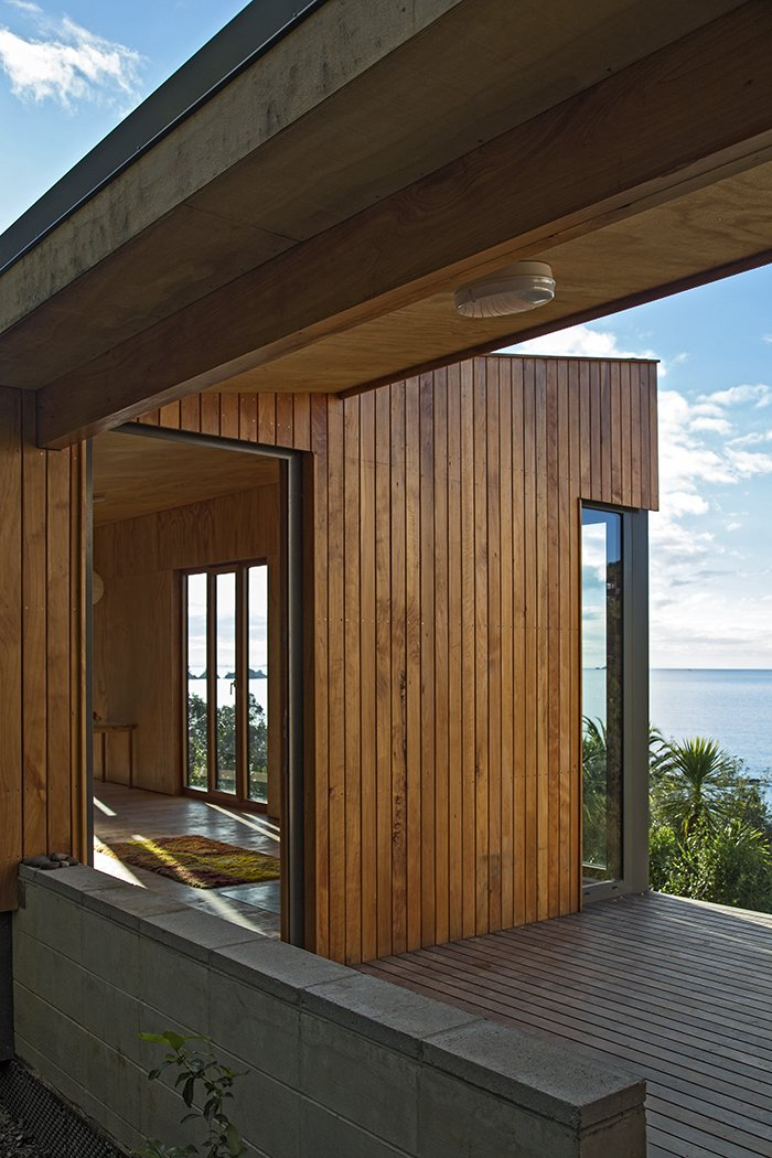 The architects drew upon their own experiences vacationing in baches to develop the design. Approximately 1,000 square feet of interior spaces are connected by 270 square feet of deck—a healthy ratio for indoor-outdoor living.