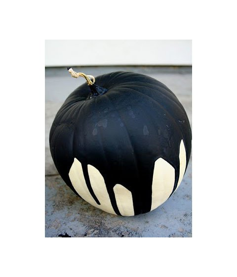 "Here is an easy and effectively eerie idea for pumpkin decorating.  Pinned by Flower Duet  ""Love this black paint-covered white pumpkin for Halloween. From The Modern Sophisticate: Chic Halloween Decor""  via modern-sophisticate.blogspot.com  My Photos"