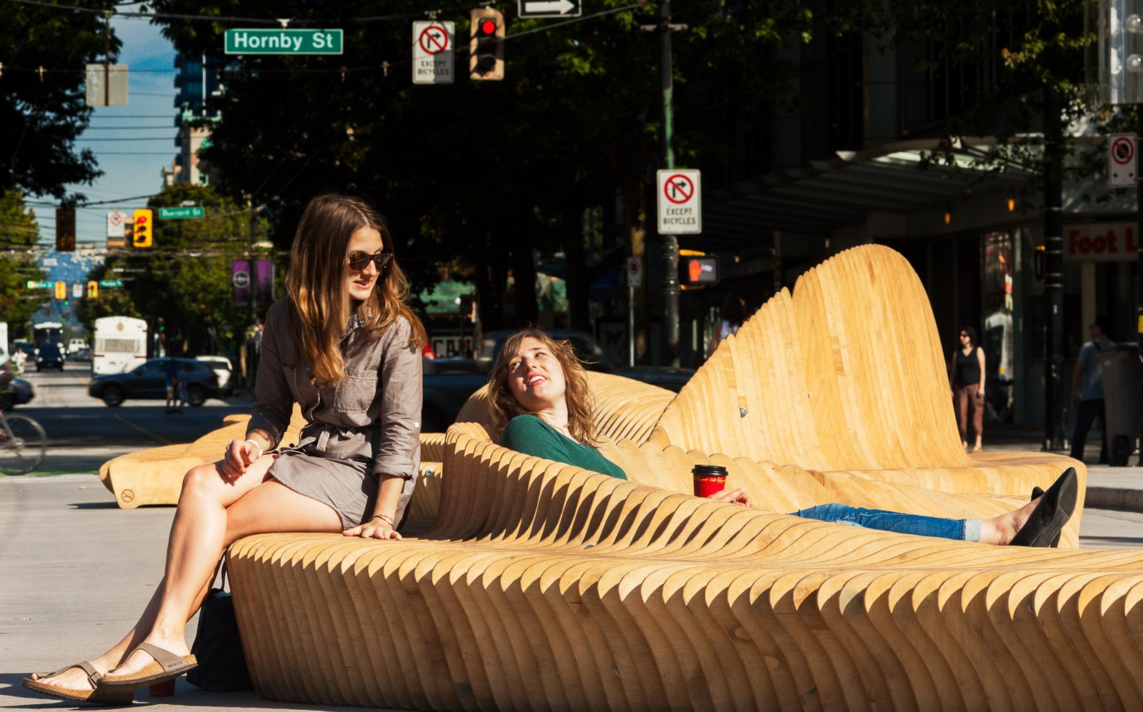 Kaz Bremner, Jeremiah Deutscher, Michael Siy, and Kenneth Navarra, a local team of architects, designers, and carpenters, created Urban Reef, which was selected as the winning design from among 78 entries.  100+ Best Modern Seating Designs from Cool Public Benches in Vancouver