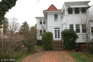 The house before renovation.