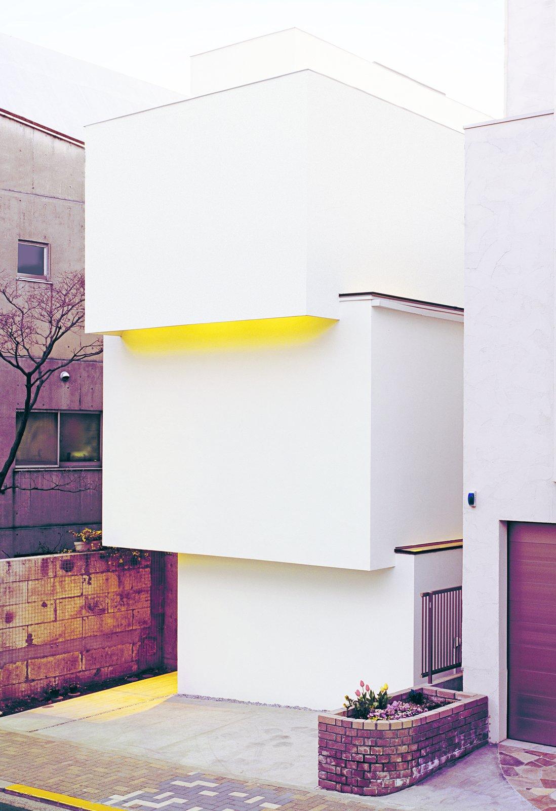 OBI-House by Tetsushi Tominaga, 2013, in Bunkyo-ku, Tokyo Prefecture  Unabashedly Strange Houses in Japan
