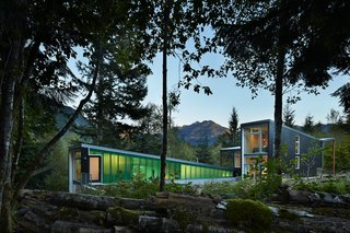 This Retreat in the Cascades is a Bold Take on the Modern Cabin
