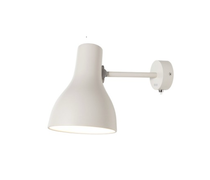 With its strong neutral tones and clean lines, the Type 75 Wall Lamp fits into the Anglepoise family of lighting and the modern home seamlessly.