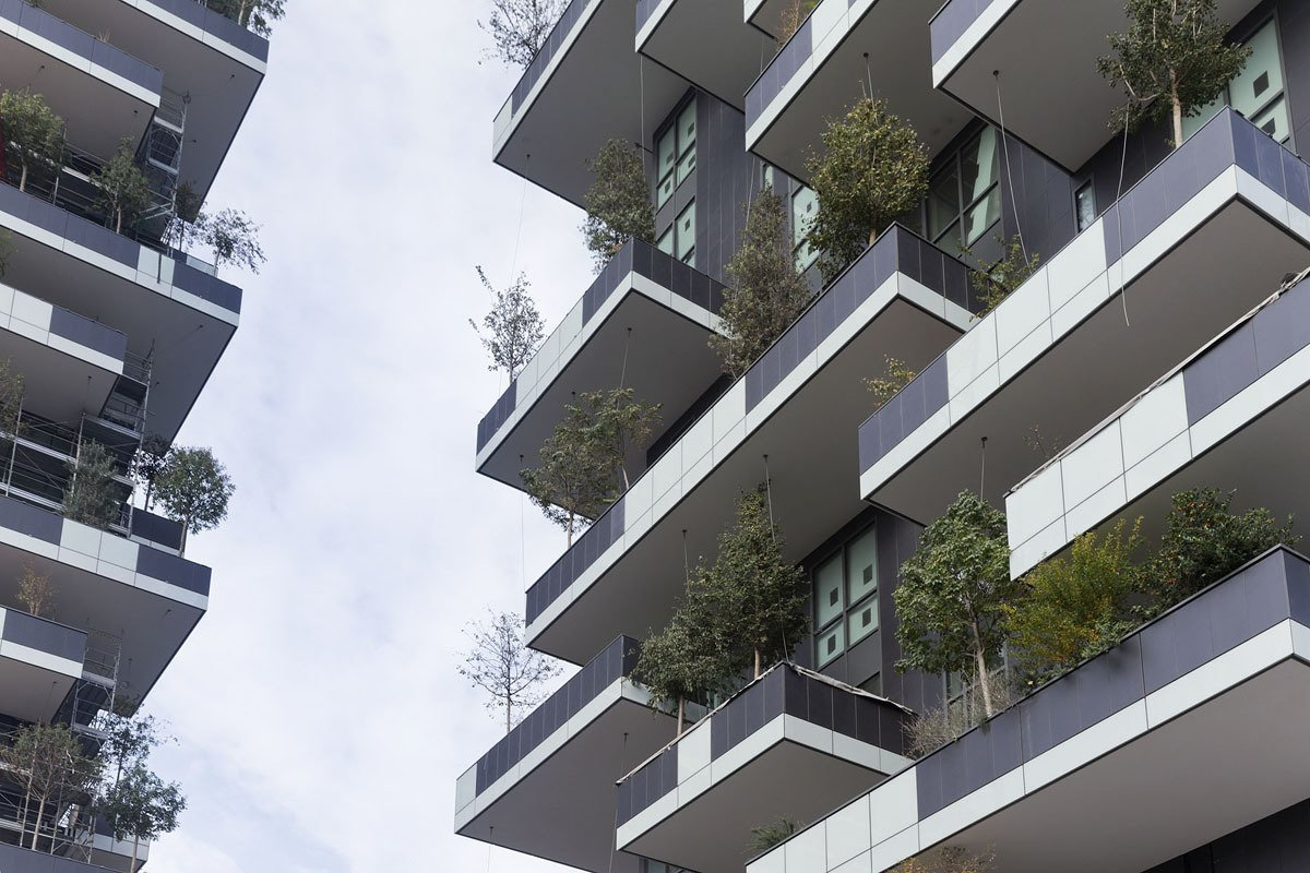 The Bosco Verticale—which means Vertical Forest—brings 3.5 acres of vegetation to the skyline of Milan, a city of few green spaces and some of the most polluted air in Europe.  Photo 3 of 5 in Pair of Skyscrapers Sneak a 2,800-Plant Park into Milan