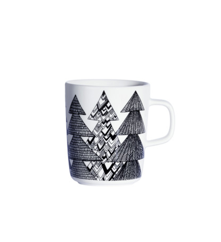 Sami Ruotsalainen designed this mug as part of the Oiva dinnerware collection created just for Marimekko. The simple, clean shape will inspire fresh conversation at your table and the design conjures Christmas trees. Made with hard, glazed porcelain, it has a long lifespan and a color that won't fade or wear off.