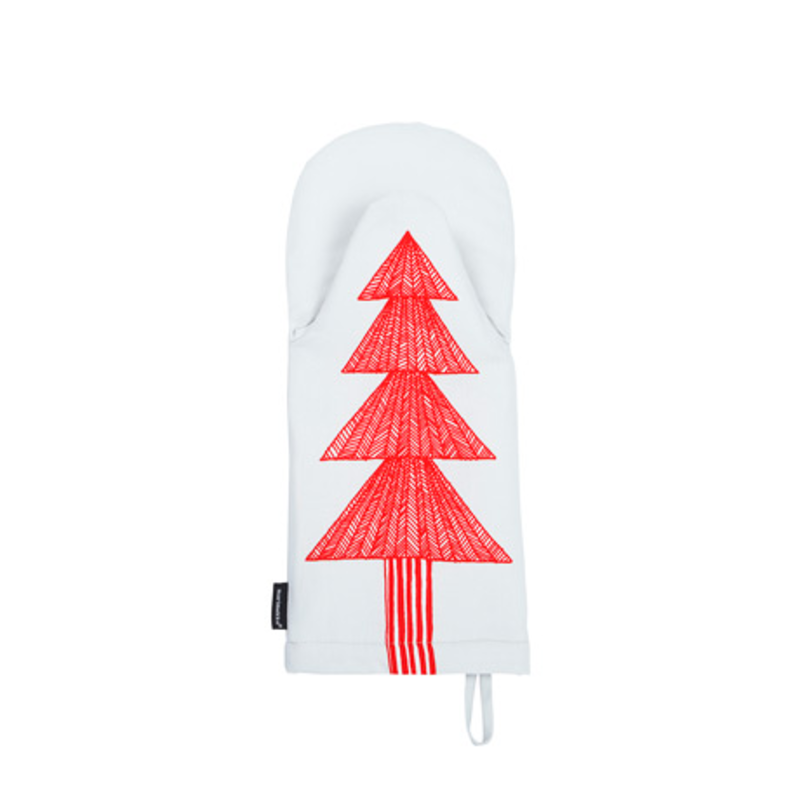 Keep hands safe and the kitchen bright with this fun Christmas tree oven mitten. It even has a hanging loop attached to one corner for handy display.
