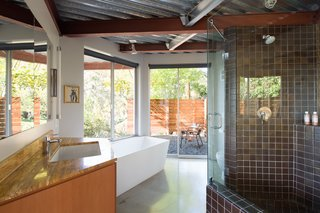 Fleetwood Windows & Doors provided the dual-glazed panes throughout the home.