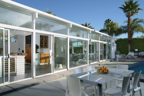 The 1956 all-white La Casa di Ucello Bianca, designed by an unkown architect, was carefully restored by its current owners.
