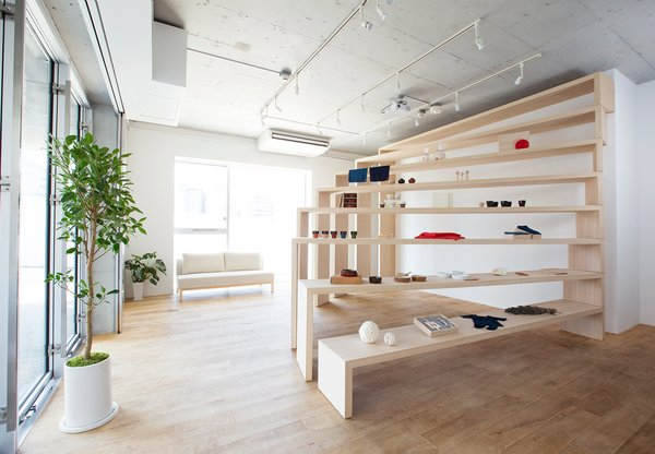 A Space-Saving, Flexible Retail Design in Japan